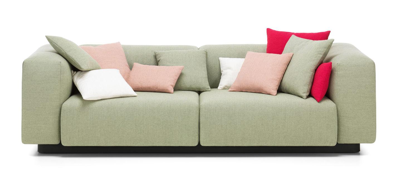Vitra soft modular sofa der schwarze fussrahmen ist einerseits teil des funktionalen aufbaus der ein praktisches und stabiles verbinden der module ermglicht parisarafo Image collections