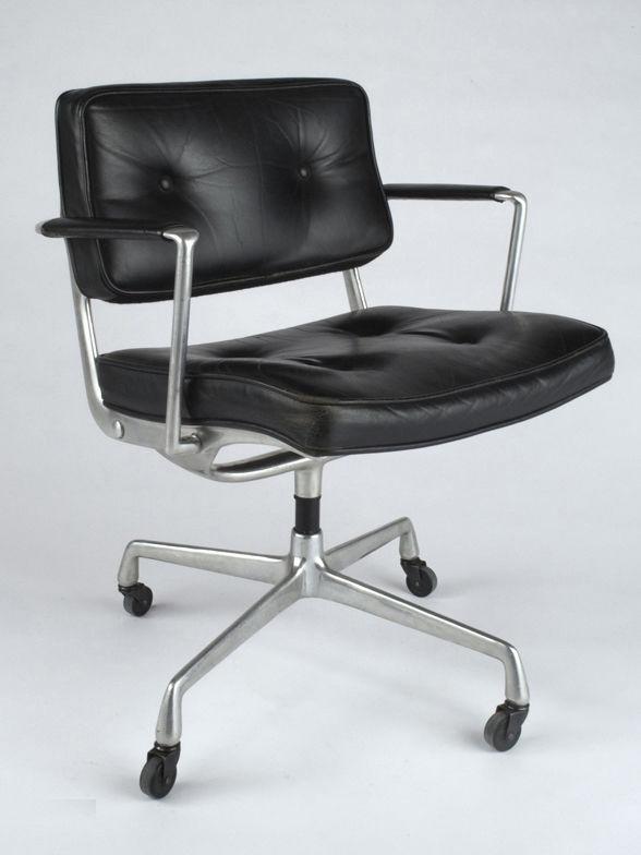 Der Stuhl Im Büro Von Charles Eames