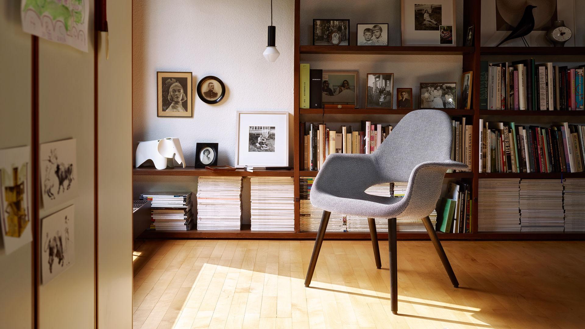 Organic Chair Ceramic Clock Eames House Bird black Eames Elephant (small)_web_16-9