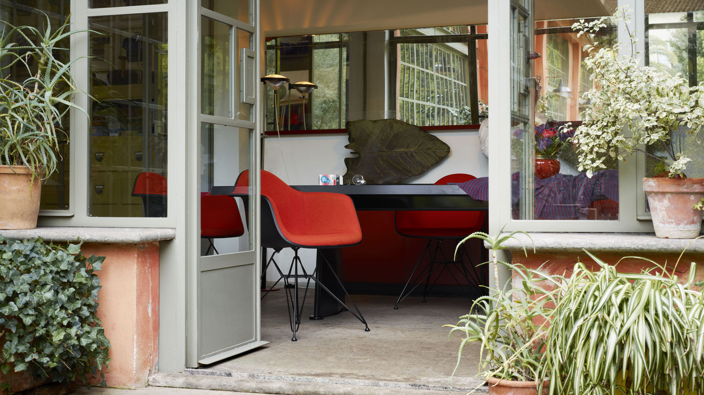 Eames Plastic Armchair : Vitra eames plastic chair