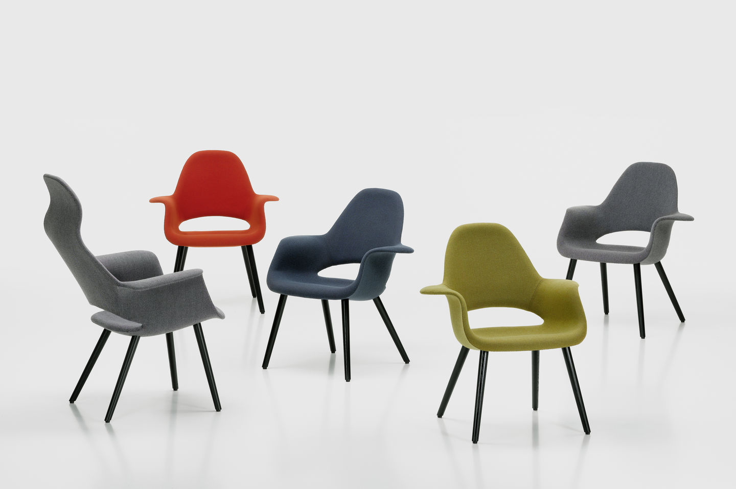 Developed As A Joint Project By Charles Eames And Eero Saarinen The Organic Chair Is Considered One Of Most Seminal Creations Mid Century Modern