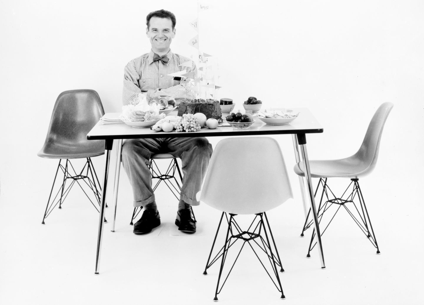 The battle against design knock offs azure magazine for Charles eames fake