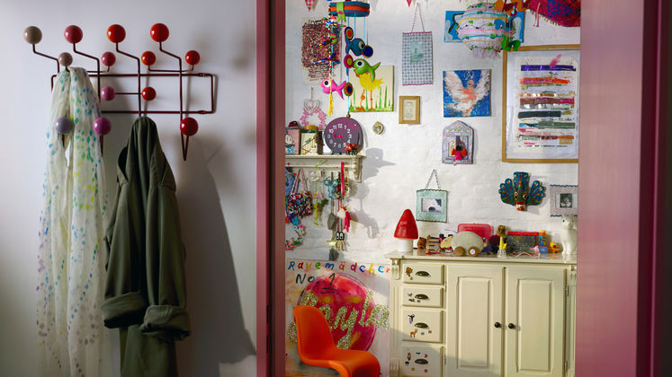 vitra hang it all. Black Bedroom Furniture Sets. Home Design Ideas