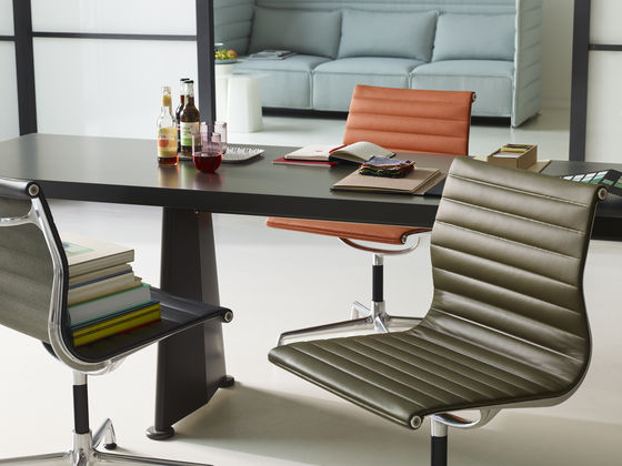 the aluminium chair is one of the great furniture designs of the twentieth century charles and ray eames conceived and developed this chair in 1958 for the aluminium chair ea 108