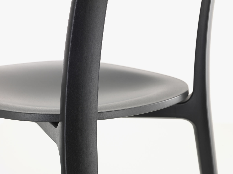 Vitra | All Plastic Chair