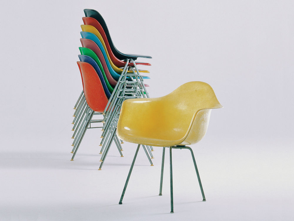 Vitra | Eames Fiberglass Side Chair DSR