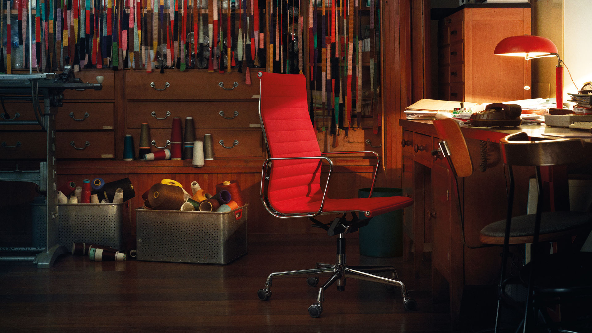 Aluminium Chair EA 119_web_inspiration