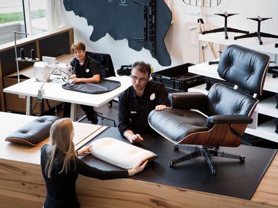 Gut Vitra Has Produced The Lounge Chair By Charles And Ray Eames Using The Same  Manufacturing Methods Since The 1950s. In Consultation With The Eames  Office, ...