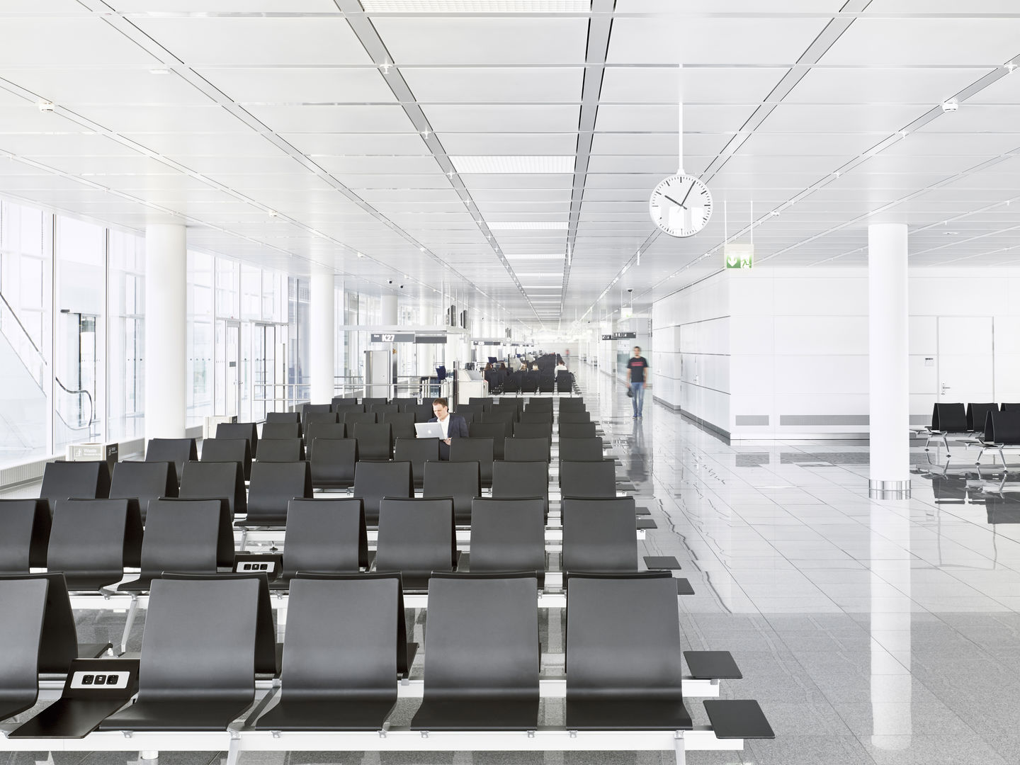Munich airport set for new terminal satellite airport business