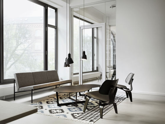 Vitra Plywood Group Dcw