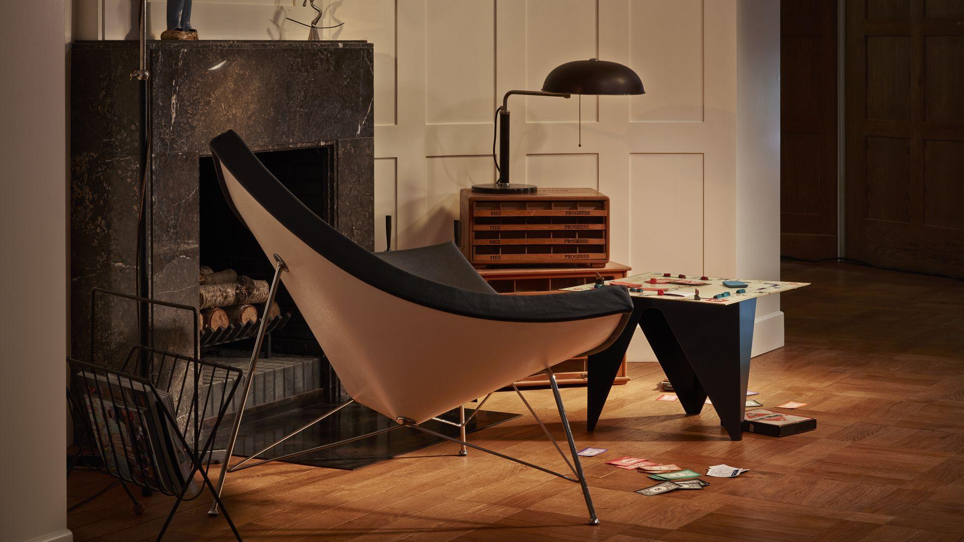 Coconut Chair, Prismatic Table_web_parallax