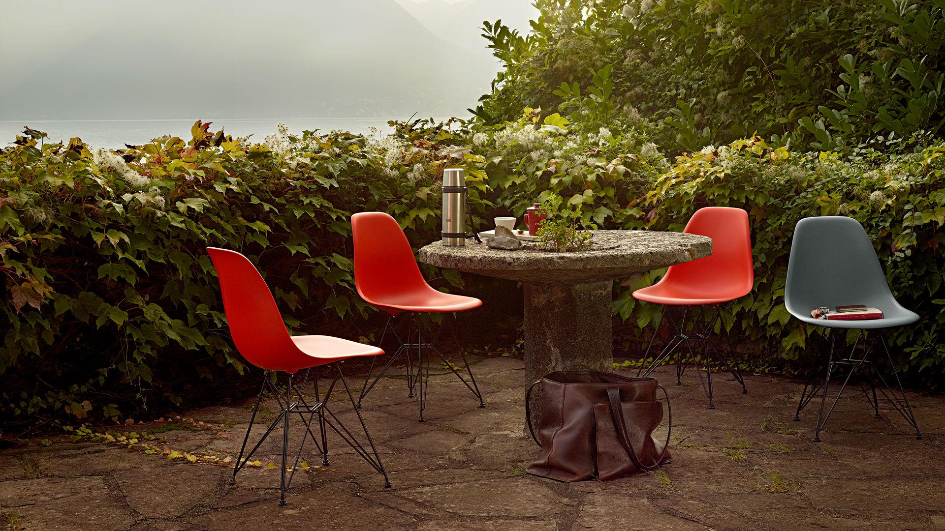 Eames Plastic Side Chair DSR_web_inspiration