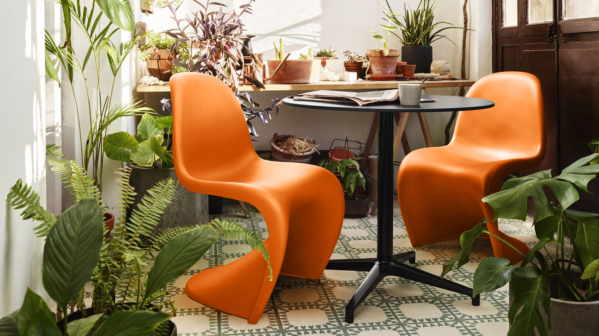 Panton Chair Tangerine 27_web_16-9