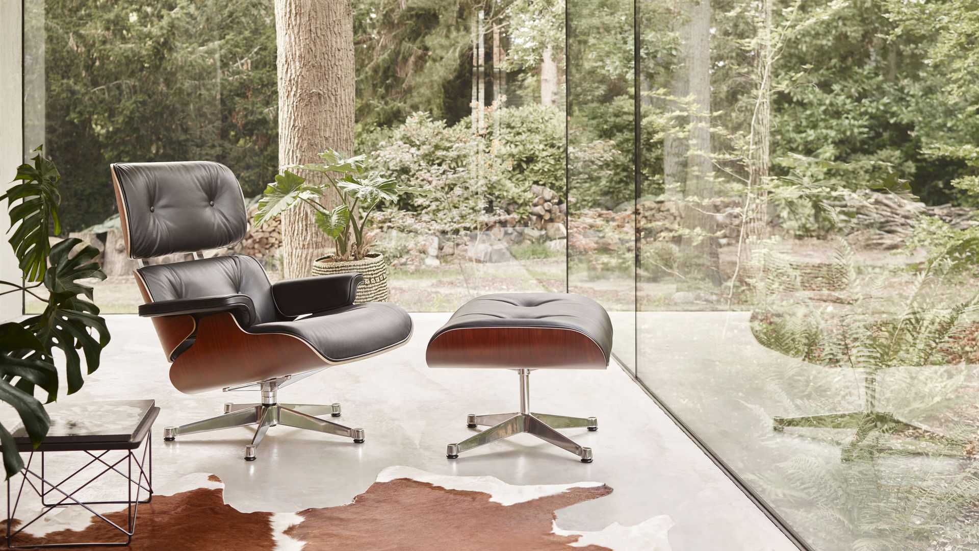 Luxembourg Lounge Stoel.Vitra Lounge Chair Ottoman