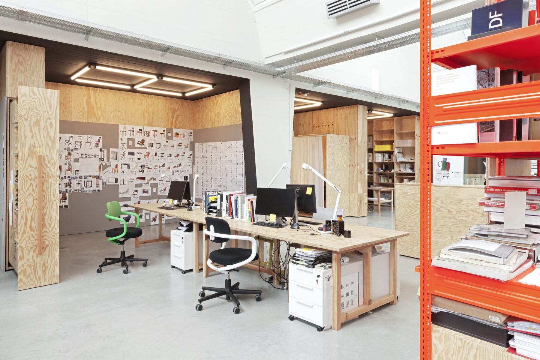 vitra office furniture dubai home office furniture. Black Bedroom Furniture Sets. Home Design Ideas