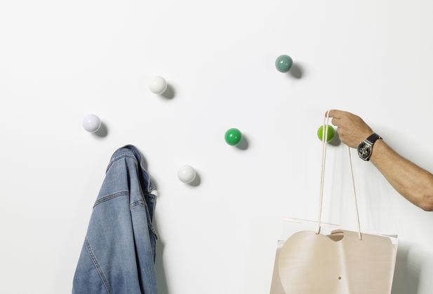 Vitra coat dots for Garderobe dots