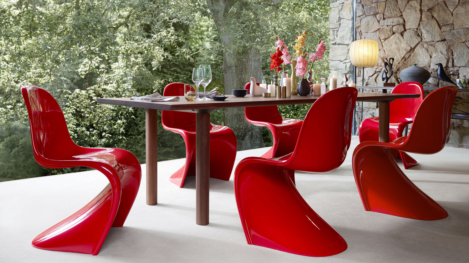 Panton Chair Classic_Wood_Table_web_inspiration & Vitra | Panton Chair Classic