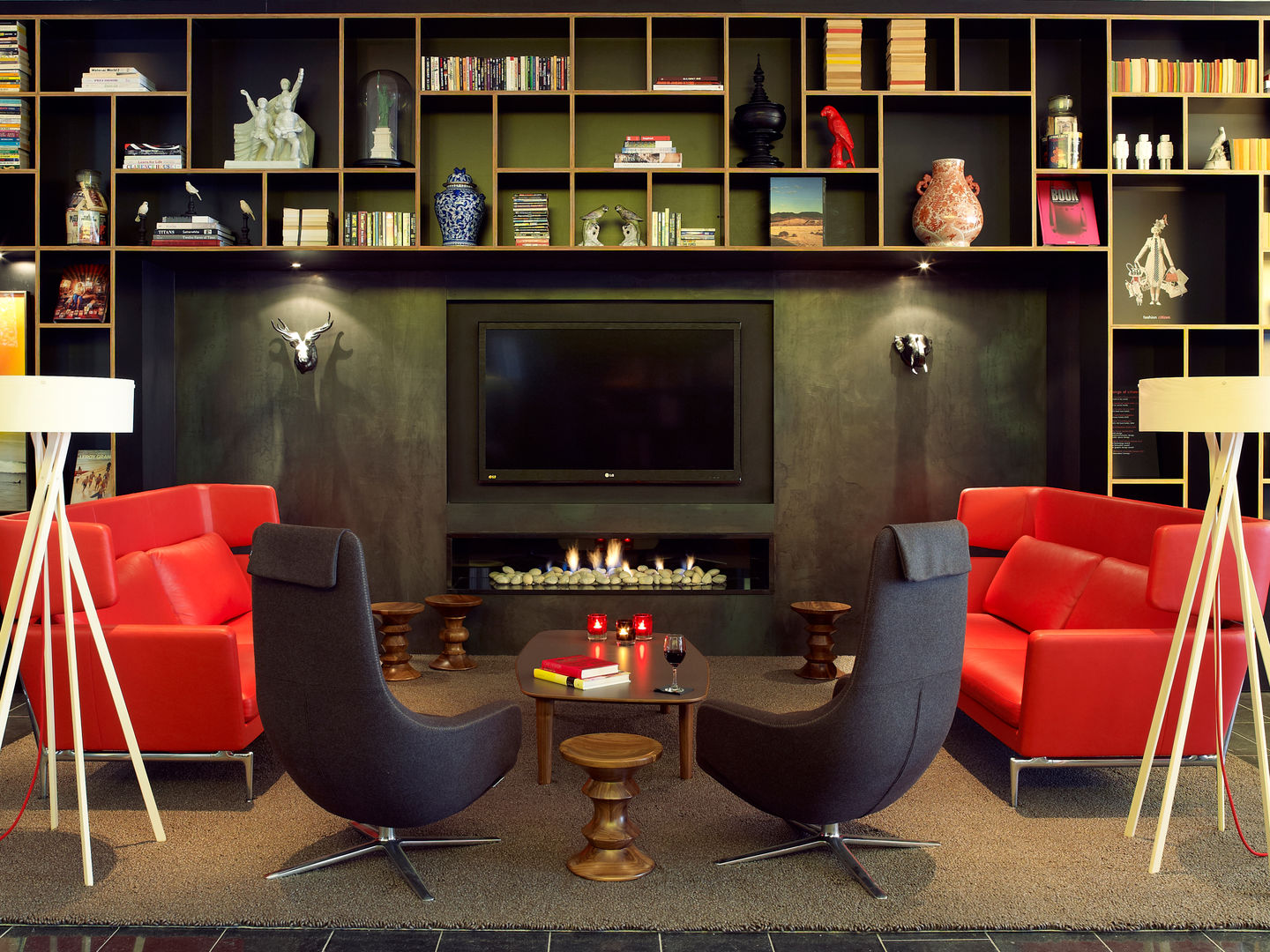 GroB The CitizenM Hotel In New York Is The Sixth Hotel Opened By The Group,  Whose Philosophy Is To Offer Its Guests Affordable Luxury. While The Rooms  Are Fitted ...