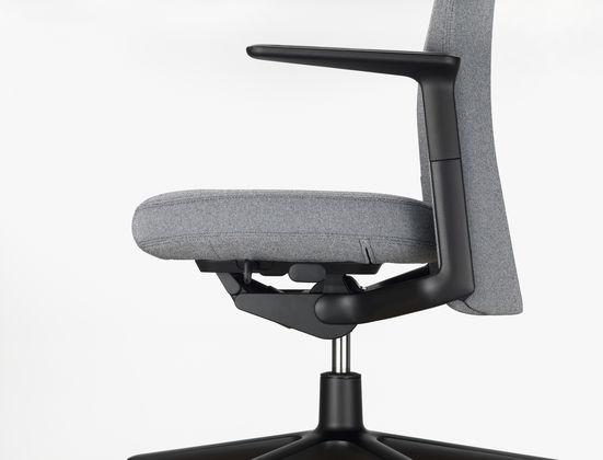 Vitra | Pacific Chair