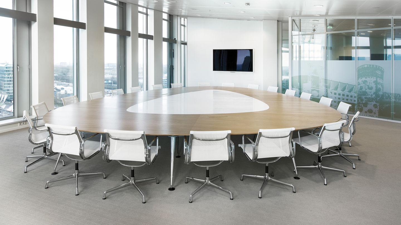 Vitra office deloitte amsterdam the edge for Design consultancy amsterdam