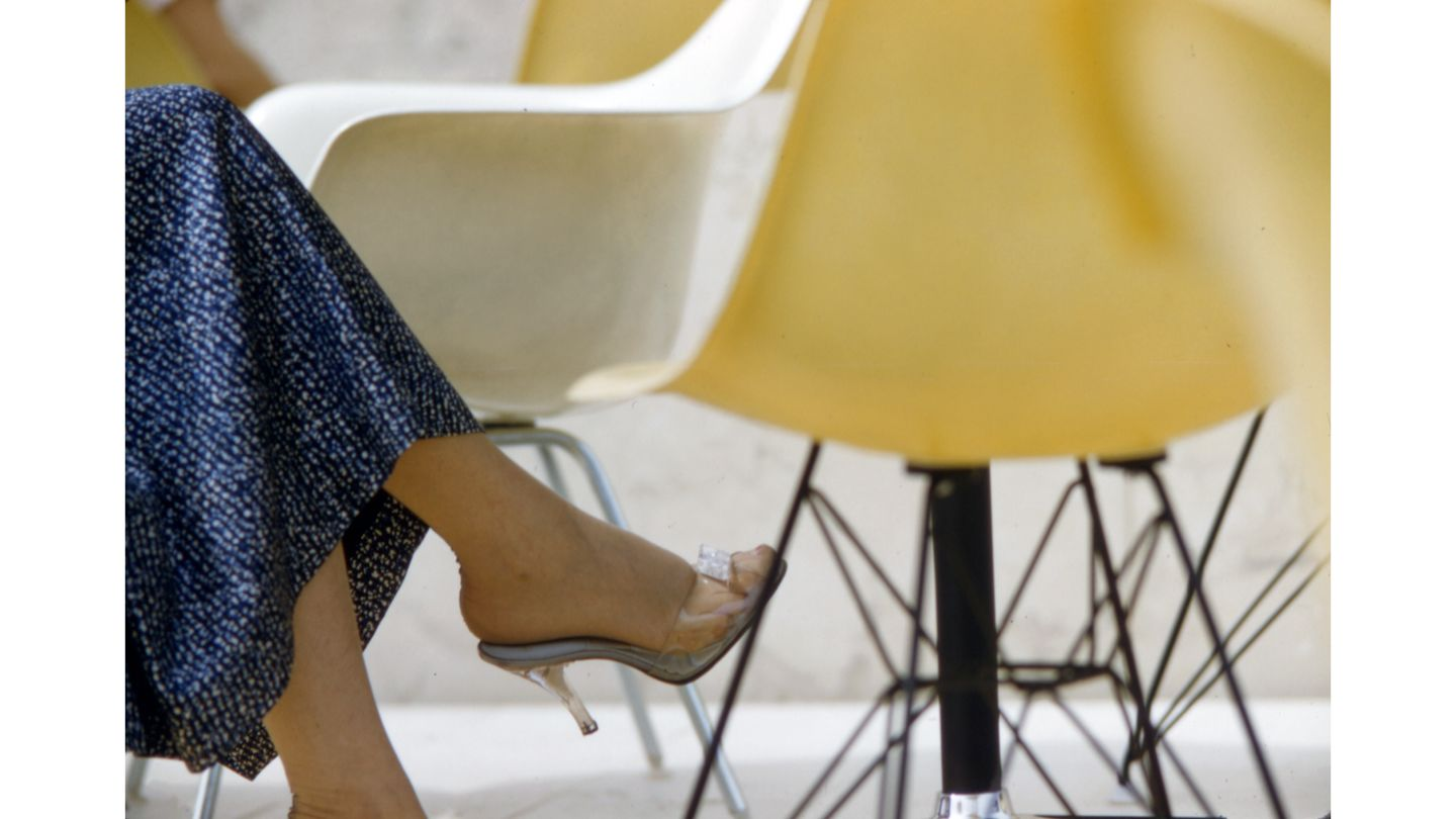 In 1950, The Eames Plastic Chair Was Launched On The Market As The First  Chair With A Seat And Backrest Formed From A Single Plastic Shell U2013 A ...