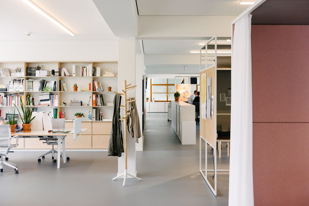 The Turkey Born Interior Architect Began Her Own London Studio Sevil Peach  Architecture + Design Back In 1994 In A Former Nutmeg Spice Warehouse Close  To ...