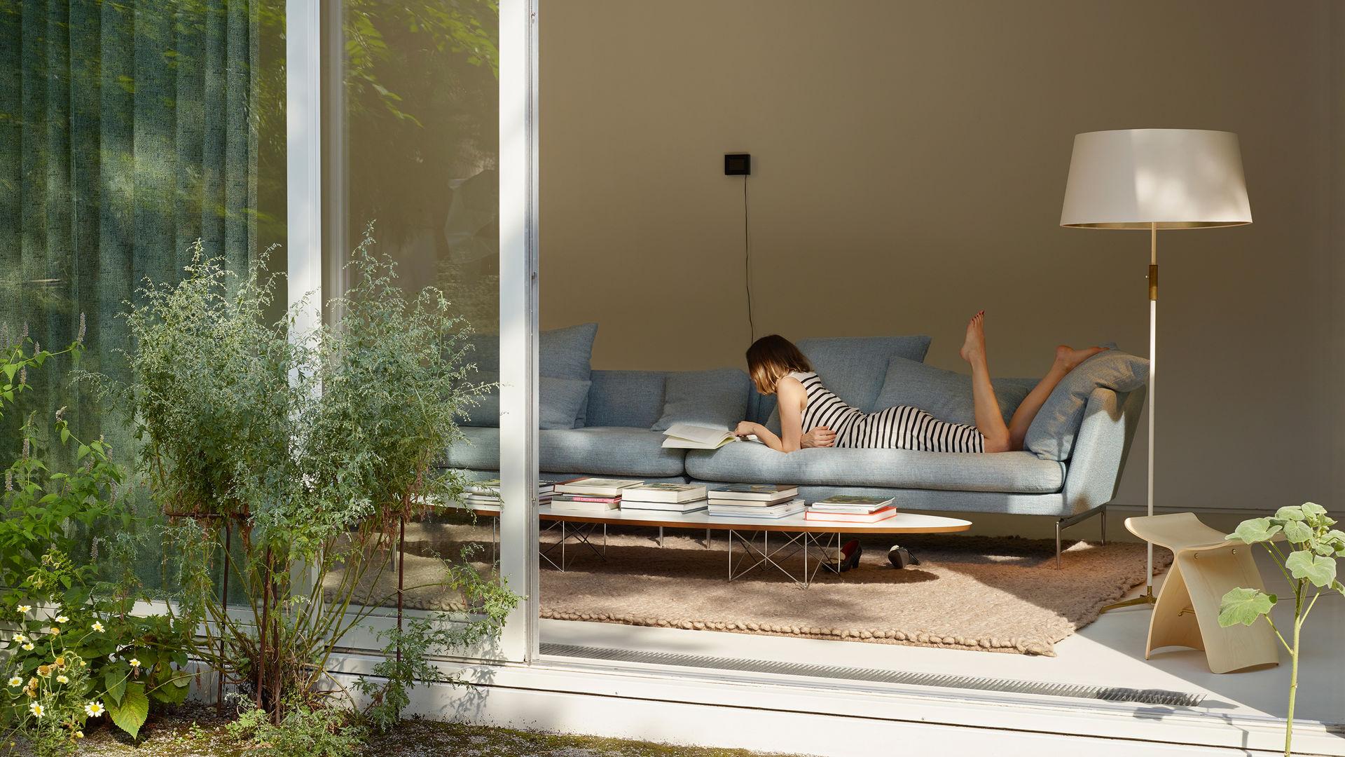 vitra elliptical table etr. Black Bedroom Furniture Sets. Home Design Ideas