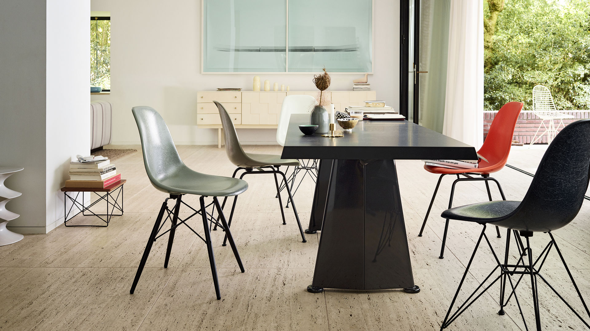 Eames Fiberglass Chairs Trapèze Wire Chair Occasional Table LTR V