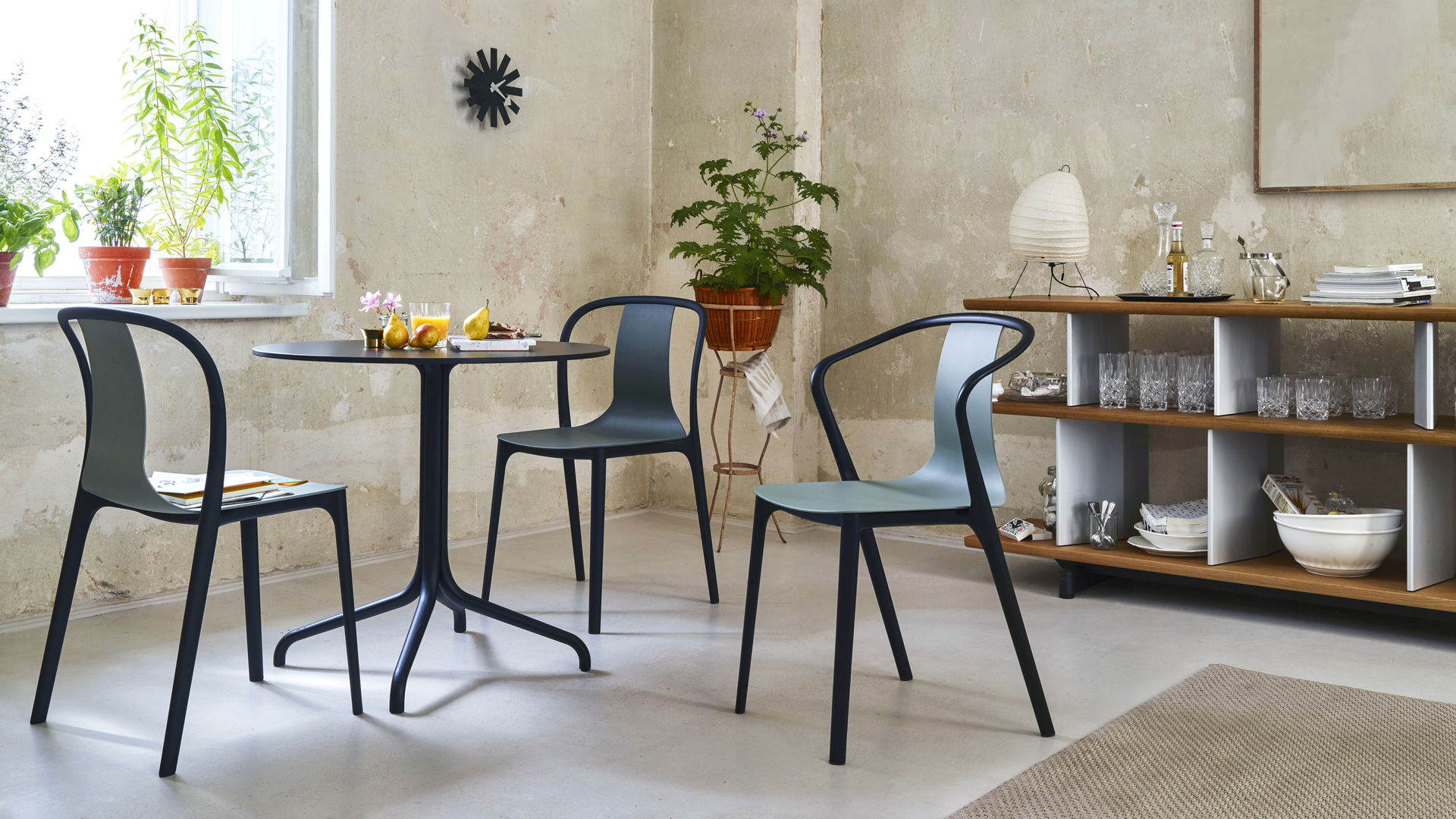 Belleville Side Chair Belleville Armchair Round Table_web_inspiration
