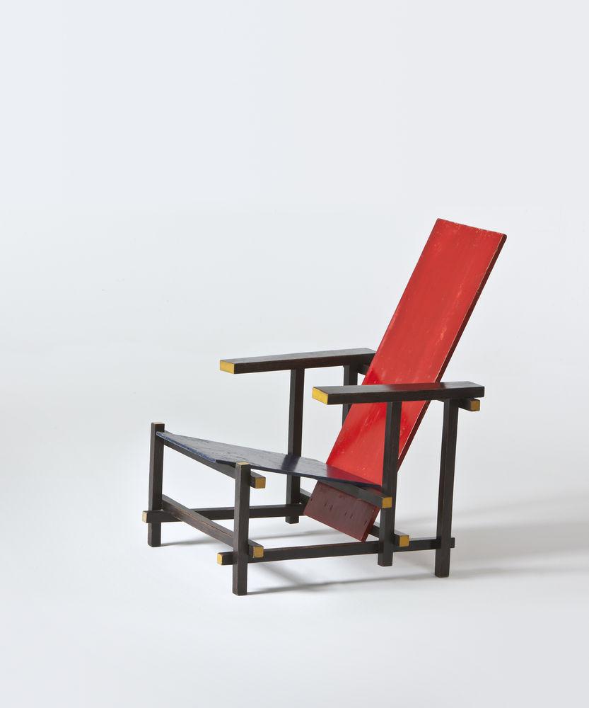 Licence arts plastiques et design cours de mme amiot for La chaise rouge et bleue