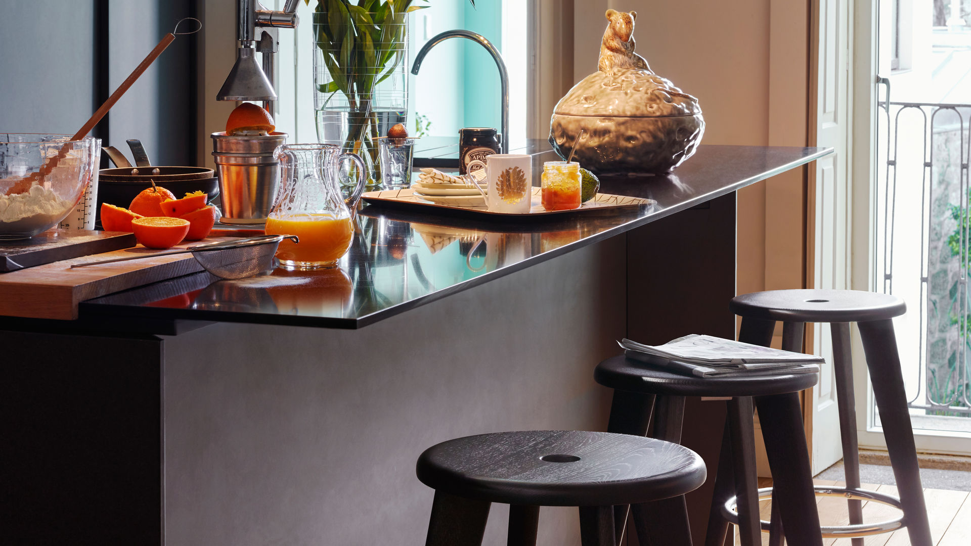 Tabouret Haut-Classic Trays-Coffee Mug_web_inspiration