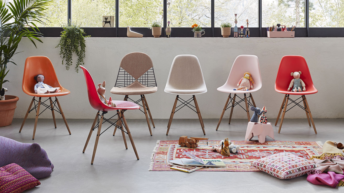 Fabulous Vitra Eames Plastic Chair Gmtry Best Dining Table And Chair Ideas Images Gmtryco